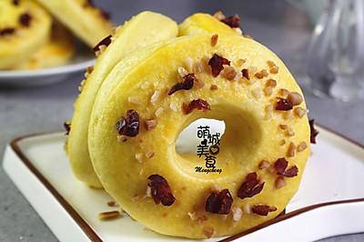 玉米面甜甜圈