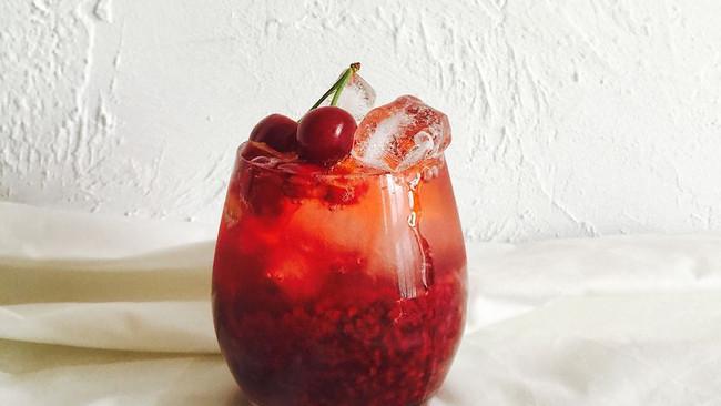 蔓越莓樱桃香草苏打的做法