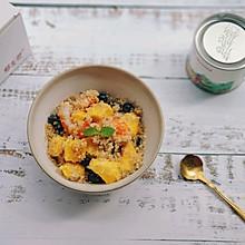 藜麦虾仁水果沙拉