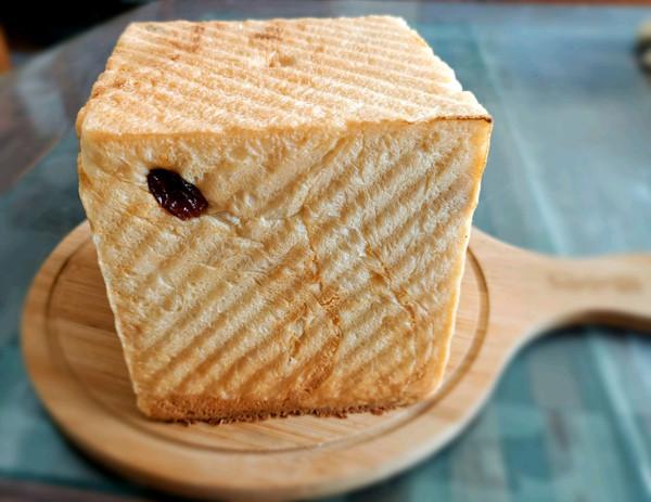 葡萄干奶酥水立方吐司的做法