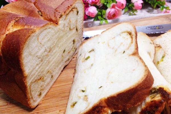 芝士香葱肉松吐司-松下面包机食谱的做法