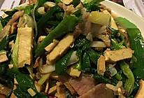蒜苗豆干炒腊肉的做法