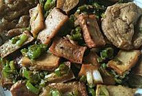 香干炒油豆腐的做法