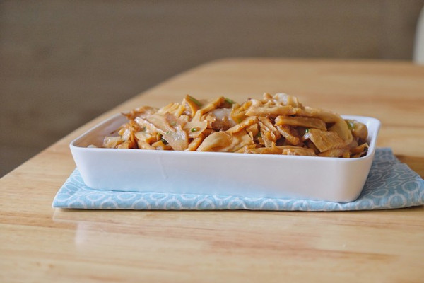下饭菜丨笋干烧肉