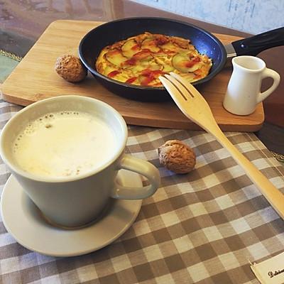 豆蔻燕麦牛奶+西葫芦煎蛋