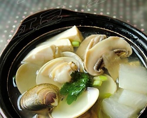 鲜味蛤蜊汤的做法