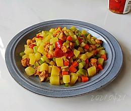 蒜香土豆焖鸡肉的做法