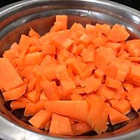 豌豆炒肉丁的做法图解3