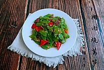 #做道懒人菜,轻松享假期#腊肉烧莴笋的做法