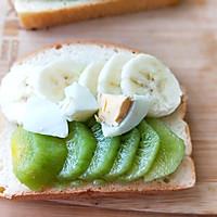 水果雞蛋肉松開放式三明治早餐的做法圖解5