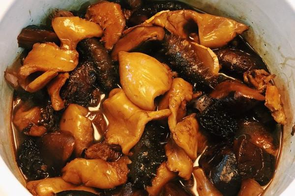 花菇海参焖花胶的做法