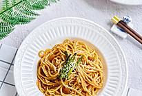 #巨下饭的家常菜#在家也能做的葱油拌面的做法