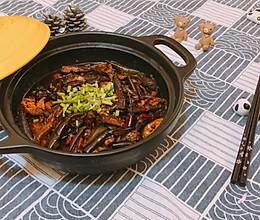 超下饭的干煸茄子煲的做法