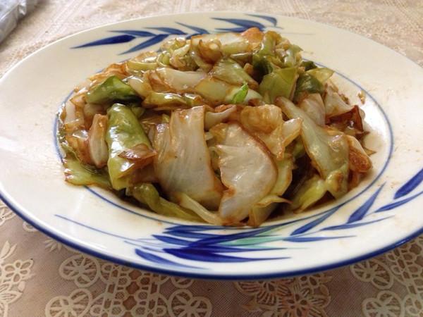 醋溜素炒卷心菜的做法