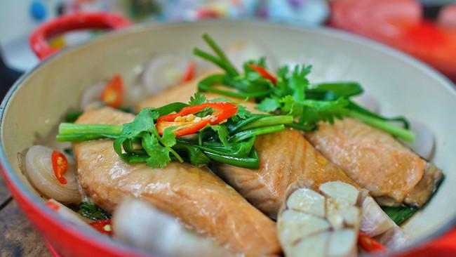 无水葱焗三文鱼的做法