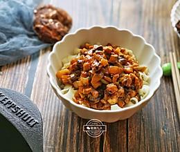 好吃到舔碗 香菇卤肉面的做法