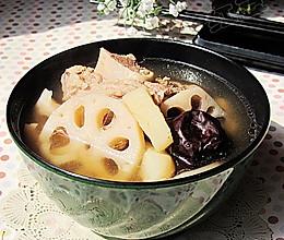 荸荠莲藕大骨汤的做法