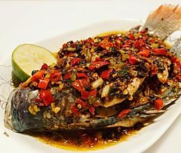 清蒸剁椒鱼 肉嫩酱香蒸鱼不腥的秘诀的做法