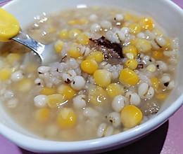 甜腻到舔碗的玉米粥的做法