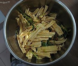 【猫记私房菜】猫老大的凉拌腐竹的做法