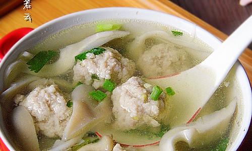 香菜平菇丸子汤---冬季暖身的做法
