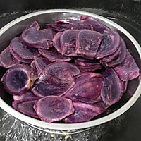 紫薯鸡蛋卷的做法图解2