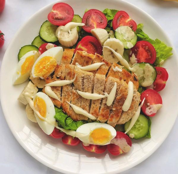 我的轻食减脂餐||果蔬鸡胸肉沙拉的做法