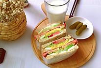简单自制蔬菜三明治的做法