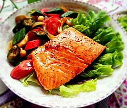 照烧三文鱼配蔬菜的做法