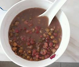 红豆绿豆薏仁山楂汤的做法
