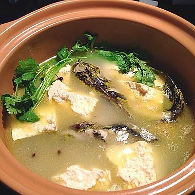 川味砂鍋之豆腐黃骨魚湯