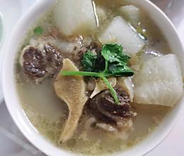 牛尾骨萝卜汤的做法