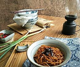 秒变大厨!上海本帮葱油面的做法