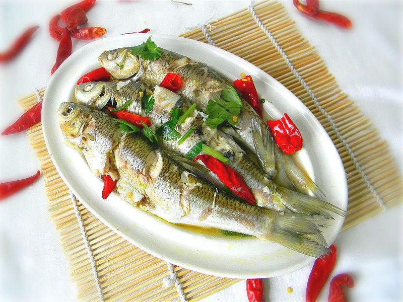 舌尖2美食——酸辣华子鱼