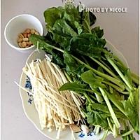 润肠排毒的凉拌金针菠菜的做法图解1