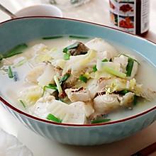 【豆腐炖鱼汤】#快手又营养,我家的冬日必备菜品#