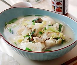 【豆腐炖鱼汤】#快手又营养,我家的冬日必备菜品#的做法