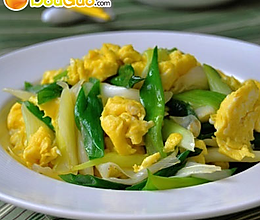 芽葱炒鸡蛋的做法