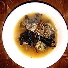 超级简单的茶树菇乌鸡汤