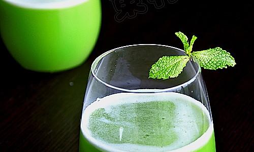 苦瓜菠萝苹果汁的做法