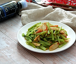 #元宵节美食大赏# 健康低脂——香芹炒鱼丸的做法