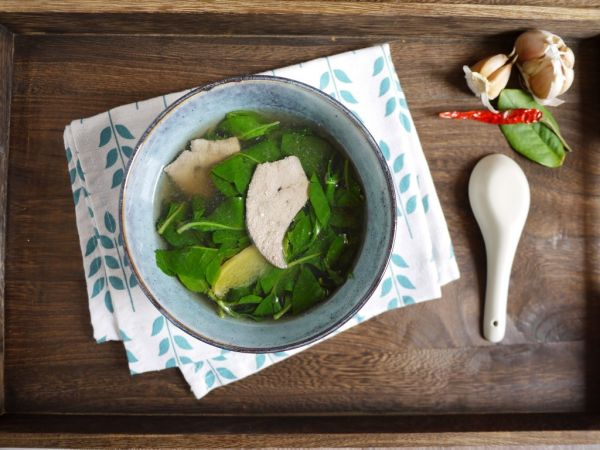 枸杞叶猪肝汤的做法