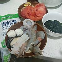 海鲜汤的做法图解1