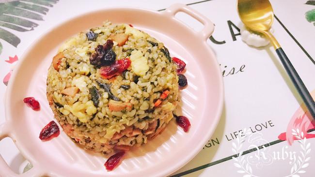 简单快手的午餐肉橄榄菜美式炒蛋炒糙米饭的做法