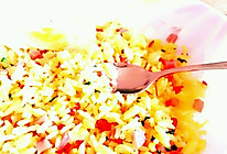 蛋黄藏红花什锦炒饭的做法