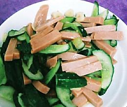 火腿肠炒黄瓜。的做法