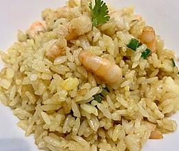 酱油虾仁炒饭  平底锅虾仁炒饭的做法