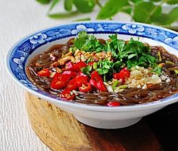 大汗淋漓的天气最不容错过的一道清凉解暑菜—— 酸辣蕨根粉 的做法