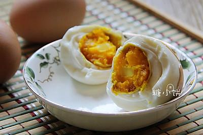 【咸鸡蛋】用鸡蛋也能腌金黄流油的咸蛋