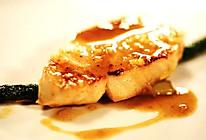 香煎银鳕鱼配芦笋的做法